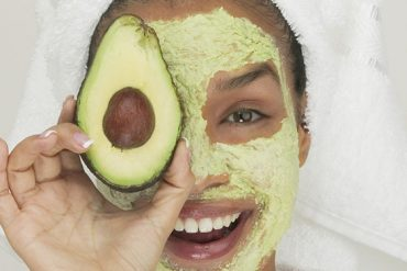 cilt için iki mükemmel avokado maskesi